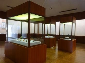 191203土岐市美濃陶磁歴史館15、展示室.JPG