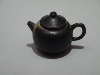 200311愛知県陶磁美術館05、烏泥茶銚.JPG
