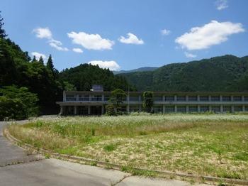 200623茶山調査05「大谷嘉兵衛」12、川俣小学校.JPG