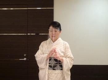 200819女将のおもてなし講座(モノトーンの会)05.JPG
