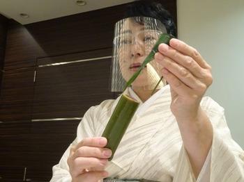 200819女将のおもてなし講座(モノトーンの会)14.JPG
