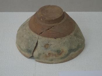 200911多治見市文化財保護センター04、銅緑釉天目茶碗.JPG