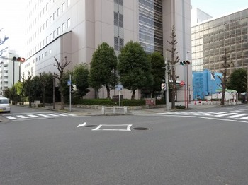 s_190105松坂屋名古屋店04、本町通京町通交差点.JPG