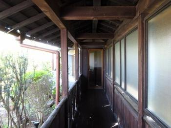 s_190422喫茶室「山脈」03、回廊.JPG