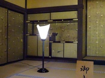 s_190617玄宮楽々園14、御上段の違棚.JPG