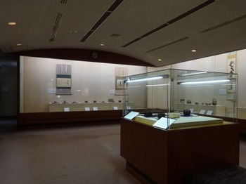 s_190907桑山美術館05、展示の様子.JPG