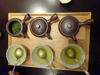 s_190924深緑茶房お茶教室06、萬古炻器急須(蓋外し・通常・振る).JPG