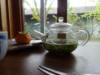 s_191017お茶の間のおと05、二煎目浸出中.JPG